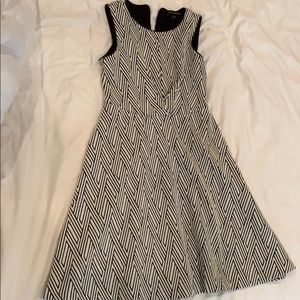 banana republic dress chevron stripes sleeveless
